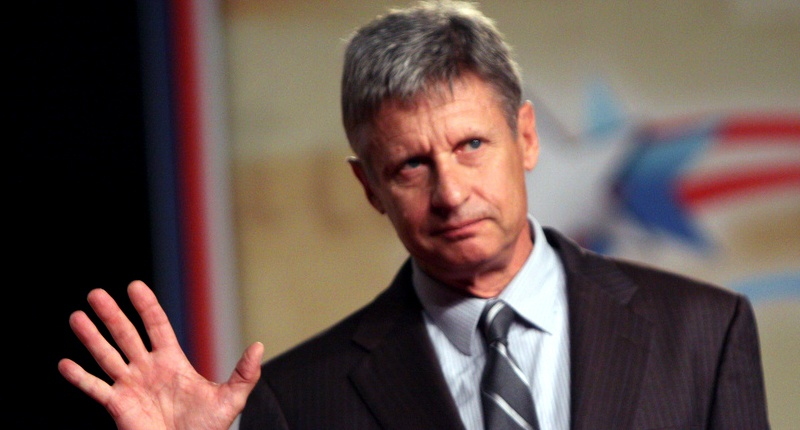Poll: Libertarian Gary Johnson beating Trump, Clinton among active troops